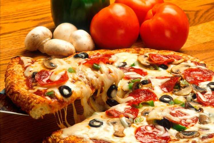 la-historia-del-queso-mozzarella-pizza-pizzeria-rurale